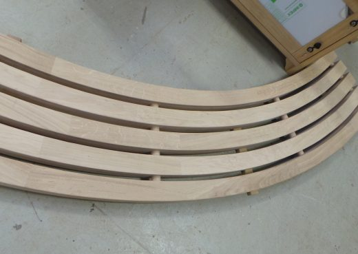 Curved bench top
