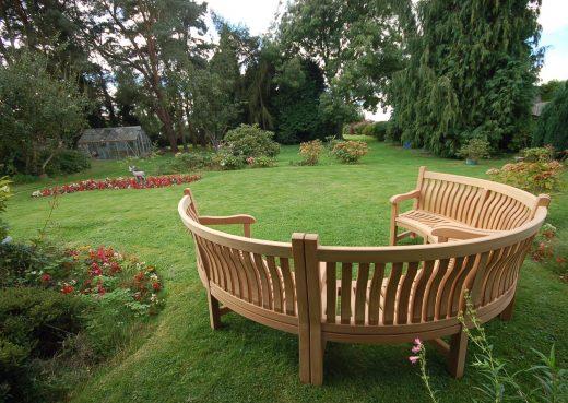 Circular curved Scarborough Memorial Bench