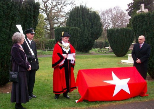 The Mayor Unveiling the Titanic Bench