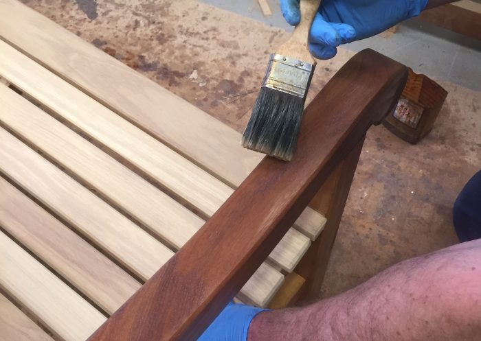 Wood finishes for your garden furniture your way