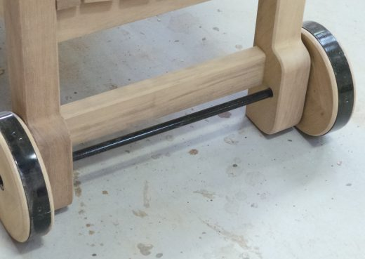 York wooden bench with wheels detail