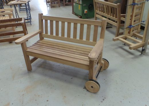 The finished York bench with flat arms and wheels