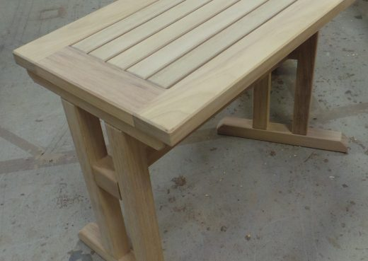 Side on view of the angled garden table.