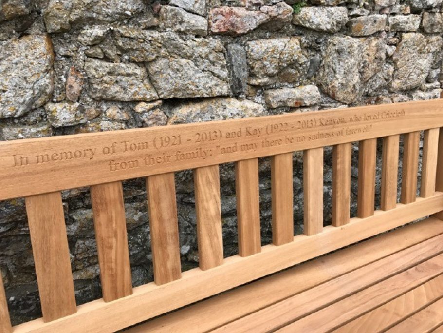 Memorial bench inscription - In memory of Tom and Kay Kenyon