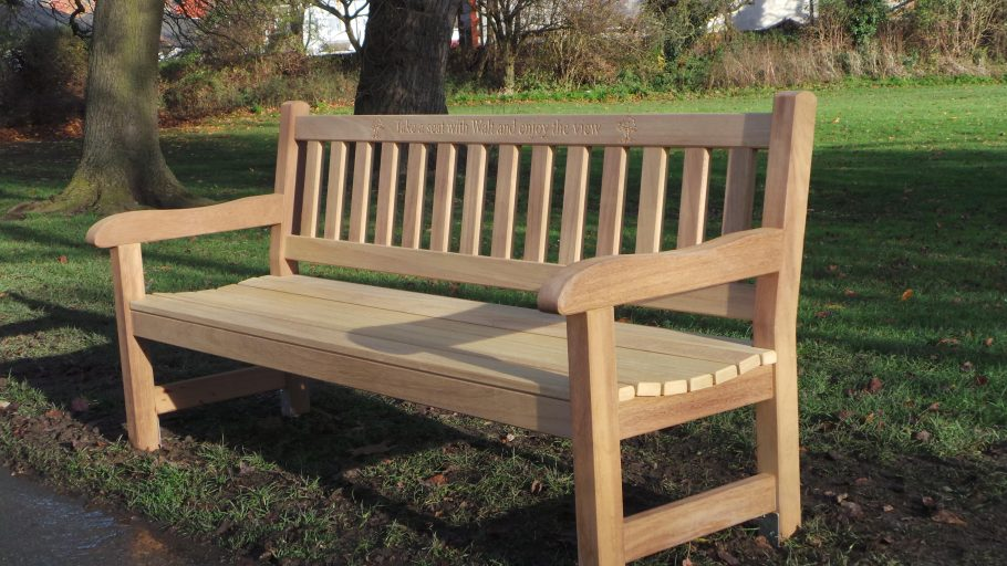 York Memorial Bench (6ft) installed in East Park, Hull
