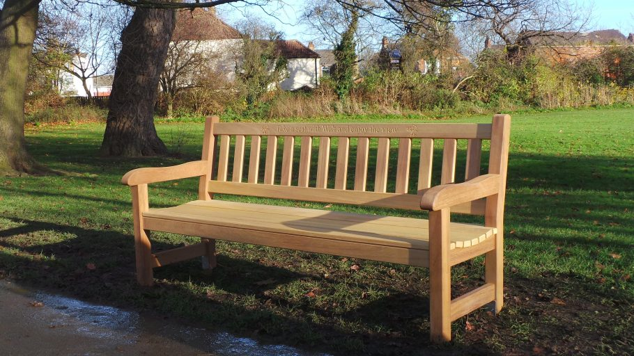 The York Memorial bench (6ft)