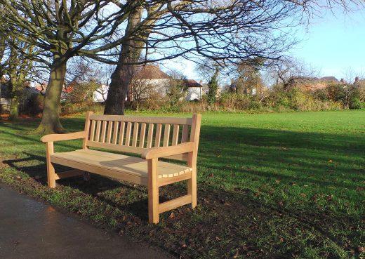 6ft York Bench in East Park Hull