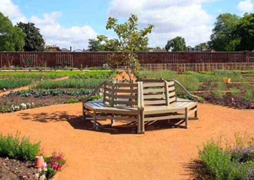 Hampton court kitchen gardens bench