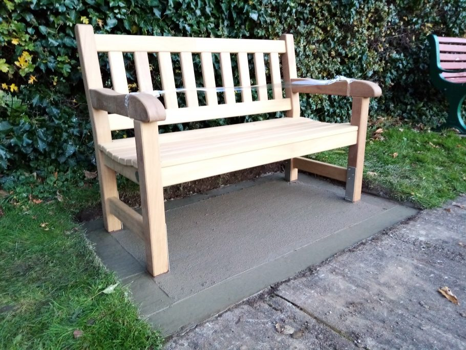 4ft York bench installed at Hedon Cemetery