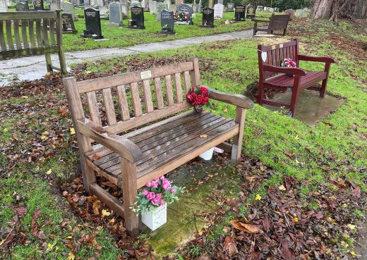 A York 4ft Memorial bench by Woodcraft UK