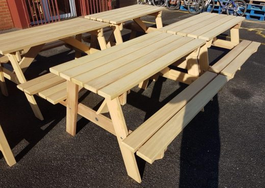 4 wooden Driffield Picnic Suites