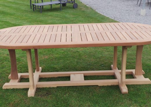 Side view of the 4ft Wetherby Outdoor Dining Table