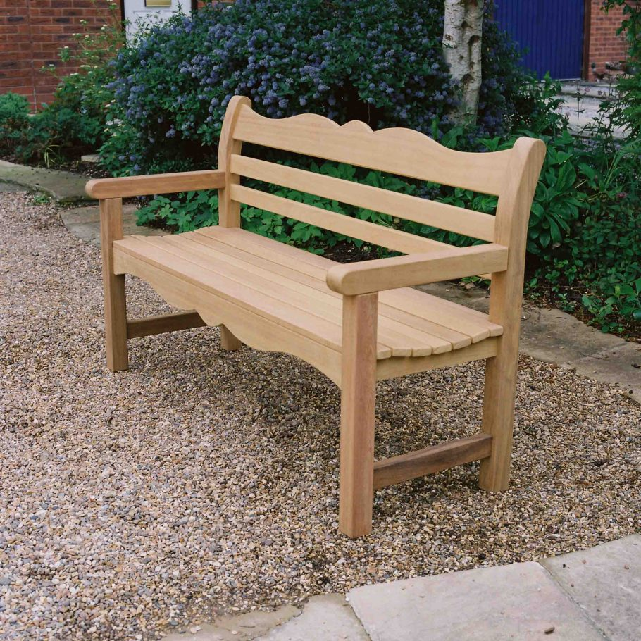 New Pictures of Woodcraft's Beverley bench