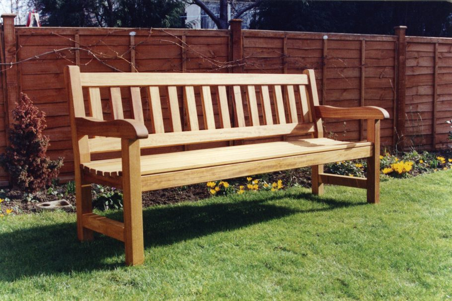 Relax and enjoy your garden this Autumn with all weather furniture