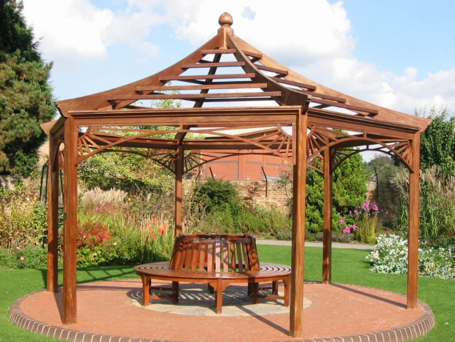 The Rich History of the Gazebo: From Ancient Egyptians to Elizabethan Gardens