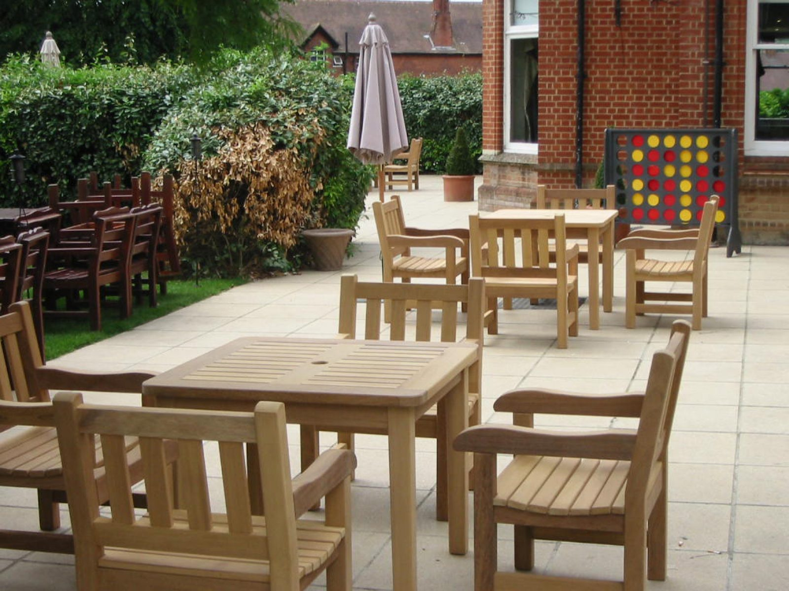 Bespoke Wooden Garden Tables Amp Beer Garden Patio Tables Woodcraft Uk