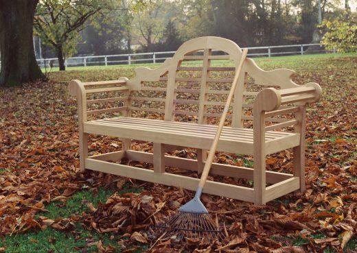 Woodcraft's Lutyens wooden garden bench