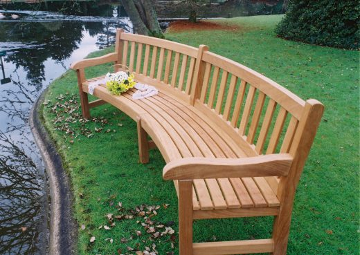 Woodcraft UK curved bench